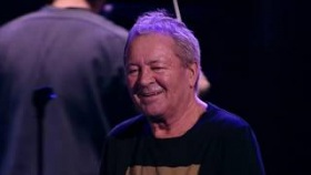 "Ian Gillan ""Hang Me Out To Dry"" - Live in Warsaw"