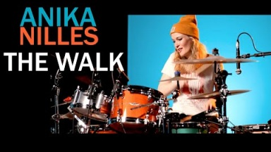 Anika Nilles  -  THE WALK [official Video]